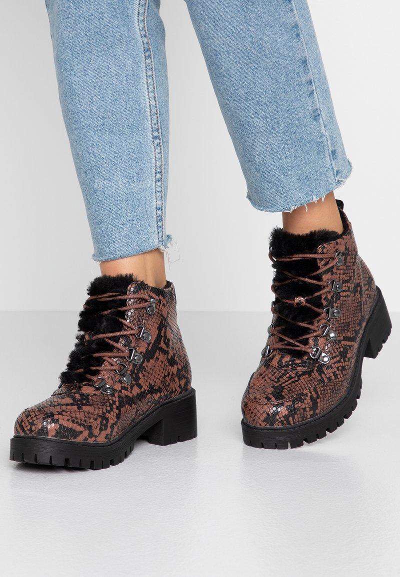 Vero Moda - VMALMA - Boots à talons - mahogany