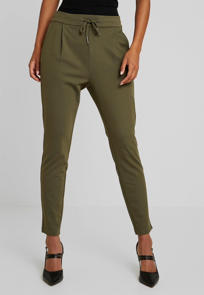 Vero Moda - VMEVA LOOSE STRING PANTS - Jogginghose - ivy green