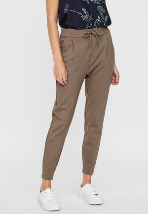VMEVA MR - Spodnie materiałowe - brown