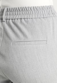 Vero Moda - VMMAYA - Trousers - light grey melange - 4