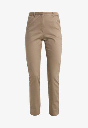 VMFLAKE SLIM ZIP PANT - Kalhoty - silver mink