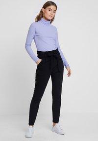 Vero Moda - VMEVA PAPERBAG PANT - Bukser - black - 1