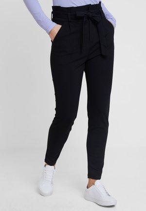 VMEVA PAPERBAG PANT - Pantalon classique - black