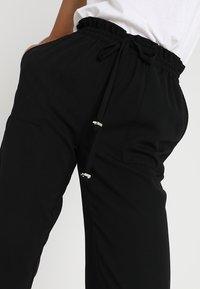 Vero Moda - VMDYLAN PANT - Kalhoty - black - 4