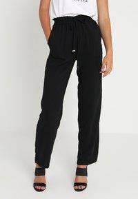 Vero Moda - VMDYLAN PANT - Kalhoty - black - 0