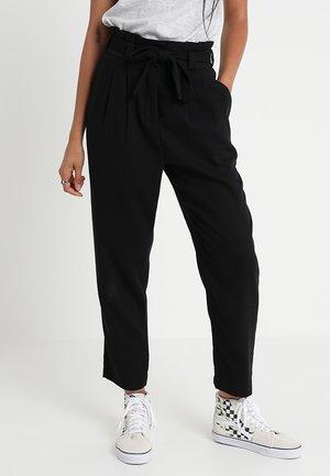 VMEMILY LOOSE PANT - Kalhoty - black
