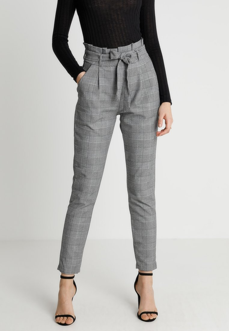 Vero Moda - VMEVA PAPERBAG CHECK PANT - Trousers - grey/white