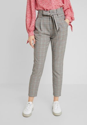 VMEVA PAPERBAG CHECK PANT - Bukse - grey/brown/rust