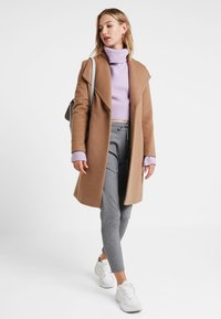 Vero Moda - VMEVA - Pantalones deportivos - medium grey melange - 1