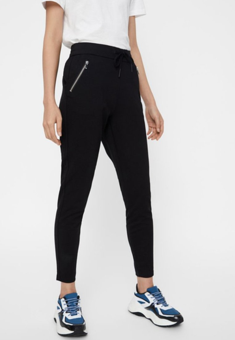 Vero Moda - VMEVA LOOSE STRING ZIPPER PANT - Tracksuit bottoms - black