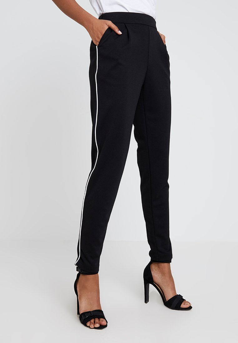 Vero Moda - VMSHANA KELLY PANT - Trousers - black/white