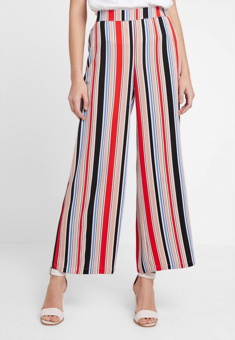 Vero Moda - VMSAGA WIDE PANT - Stoffhose - pristine