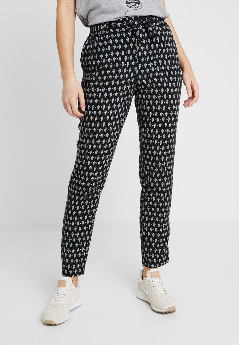 Vero Moda - VMSIMPLY EASY PANT - Pantalones - black