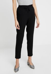 Vero Moda - VMSIMPLY EASY PANT - Pantaloni - black/solid - 0
