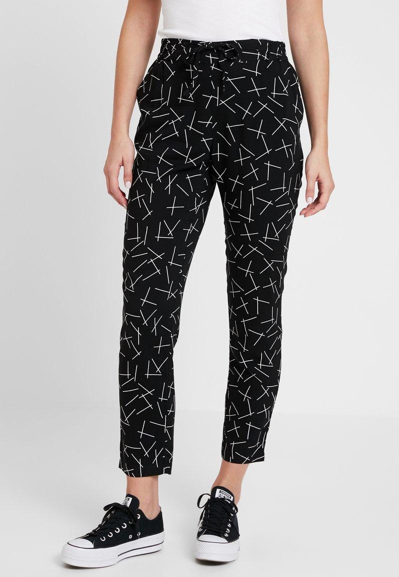 Vero Moda - VMSIMPLY EASY PANT - Bukse - black/mika