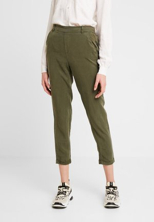 VMMAYA LOOSE SUMMER ANKLE PANT - Trousers - ivy green