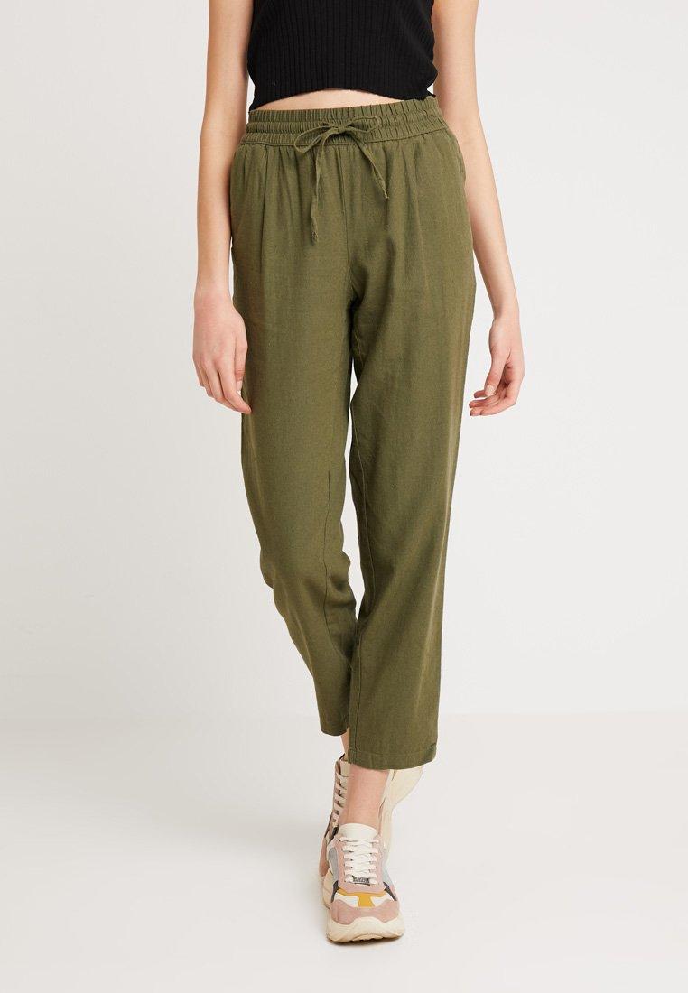 Vero Moda - VMANNA MILO PANT - Trousers - ivy green