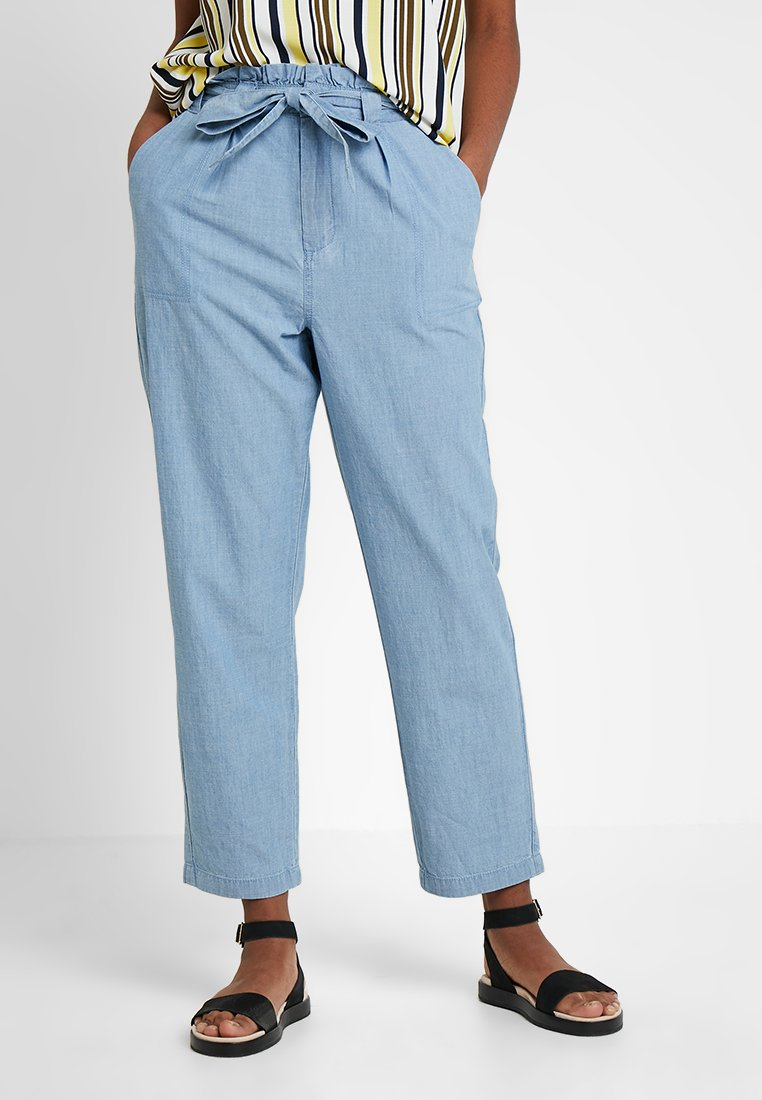 Vero Moda - VMEMILY TIE WAIST  - Trousers - light blue denim