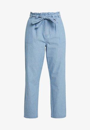 VMEMILY TIE WAIST  - Kalhoty - light blue denim