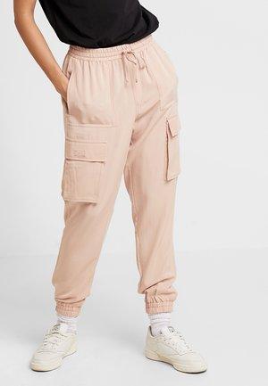 VMSIERRA CARGO PANT - Kalhoty - rose dust