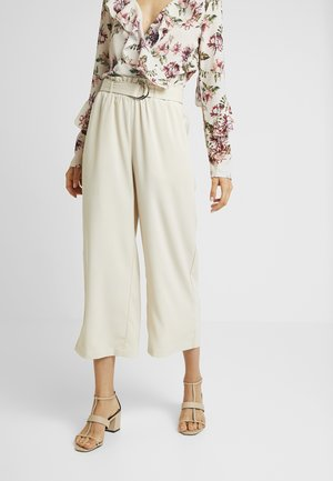 VMCOCO BELT CULOTTE - Trousers - sand
