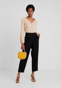 Vero Moda - VMCLEO GRACE - Pantaloni - black - 1