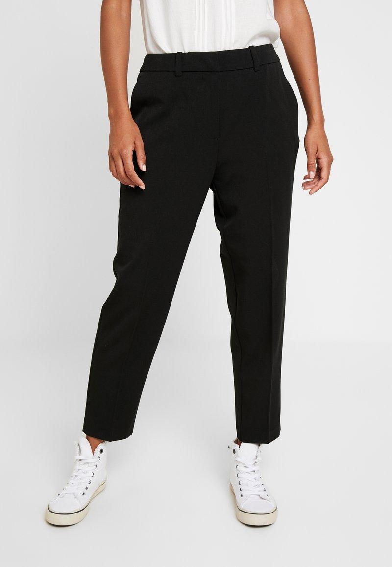 Vero Moda - VMIBEN ANKLE PANTS - Stoffhose - black