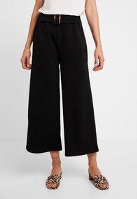 Vero Moda - VMCHARLOT CULOTTE PANT - Kalhoty - black - 0