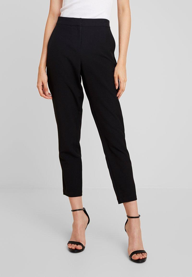 Vero Moda - VMTIA MAYA ANKLE PANT - Bukse - black