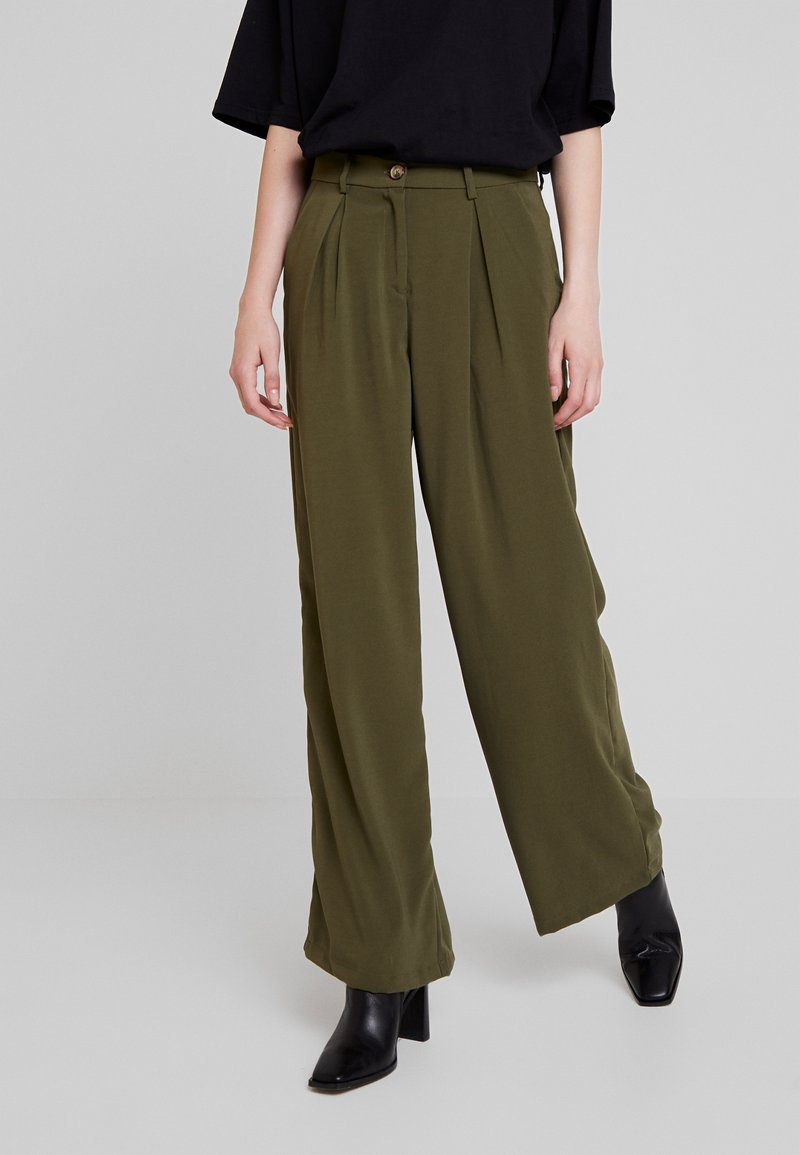 Vero Moda - VMCOCO WIDE PANT - Trousers - ivy green