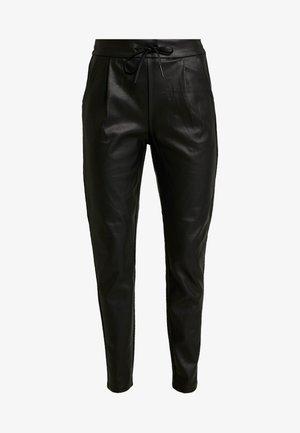 VMEVA LOOSE STRING COATED PANT - Pantalones - black