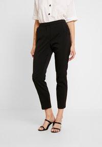 Vero Moda - VMIZZA CIGARET PANTS - Kalhoty - black - 0
