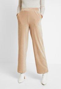 Vero Moda - VMPAN WIDE PANTS - Trousers - camel - 0