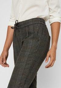Vero Moda - Pantalones - dark gray - 3
