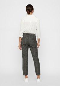 Vero Moda - Pantalones - dark gray - 2