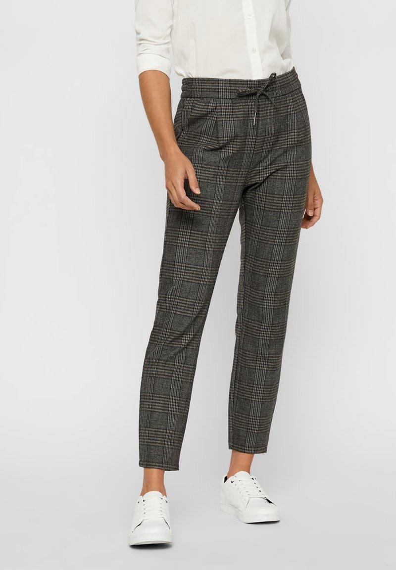 Vero Moda - Pantalones - dark gray