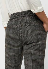 Vero Moda - Pantalones - dark gray - 4