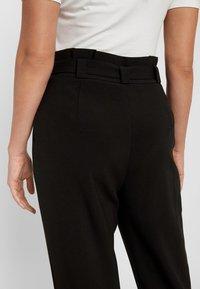 Vero Moda - Stoffhose - black - 4