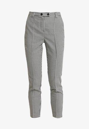 VMMAISELMA PANT - Spodnie materiałowe - birch/black
