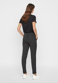 Vero Moda - VMMAYA MR LOOSE SOLID - Trousers - dark grey melange - 2