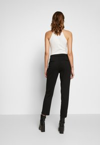 Vero Moda - VMBELLA SELMA PANTS - Kalhoty - black - 2