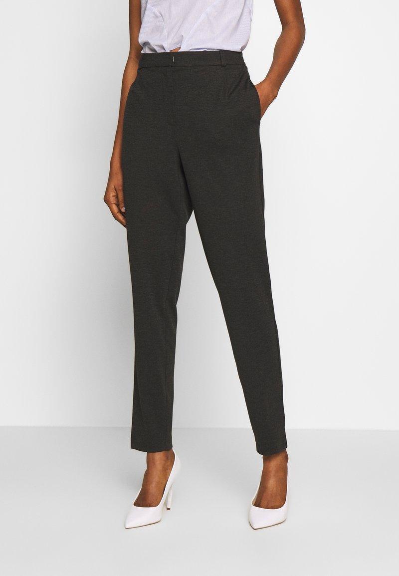 Vero Moda - VMJUSSI ELASTIC PANT - Kalhoty - medium grey melange