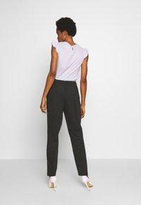 Vero Moda - VMJUSSI ELASTIC PANT - Kalhoty - medium grey melange - 2