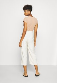 Vero Moda - VMEMILY CULOTTE PANT - Trousers - birch - 2
