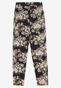 Vero Moda - VMSIMPLY EASY LOOSE PANT - Trousers - black/pilar - 1