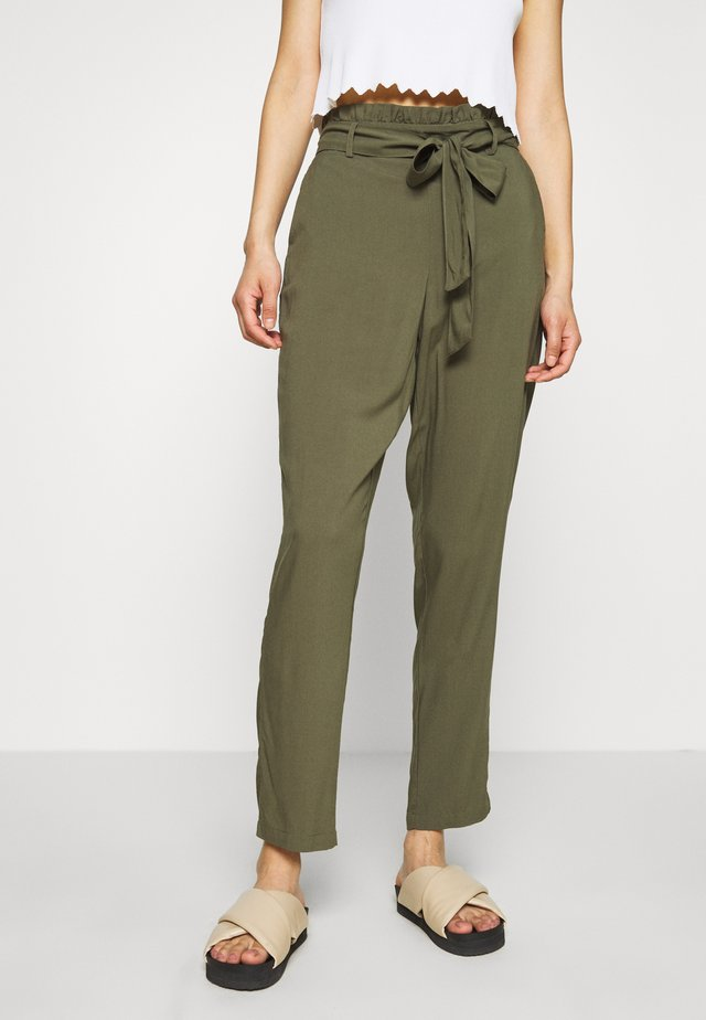VMSIMPLY EASY PAPERBAG PANT - Pantaloni - ivy green