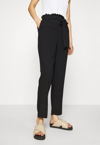 Vero Moda - VMSIMPLY EASY PAPERBAG PANT - Trousers - black - 0