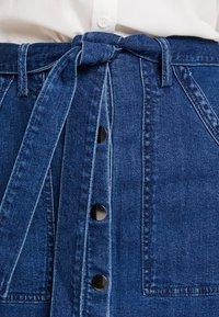 Vero Moda - Spódnica ołówkowa  - medium blue denim - 4