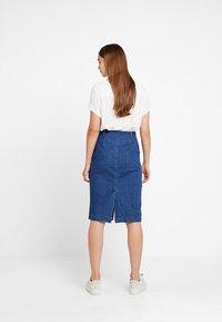 Vero Moda - Spódnica ołówkowa  - medium blue denim - 2