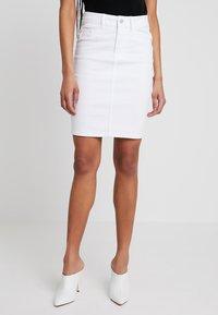 Vero Moda - VMHOT NINE PENCIL SKIRT MIX - Kokerrok - bright white - 0